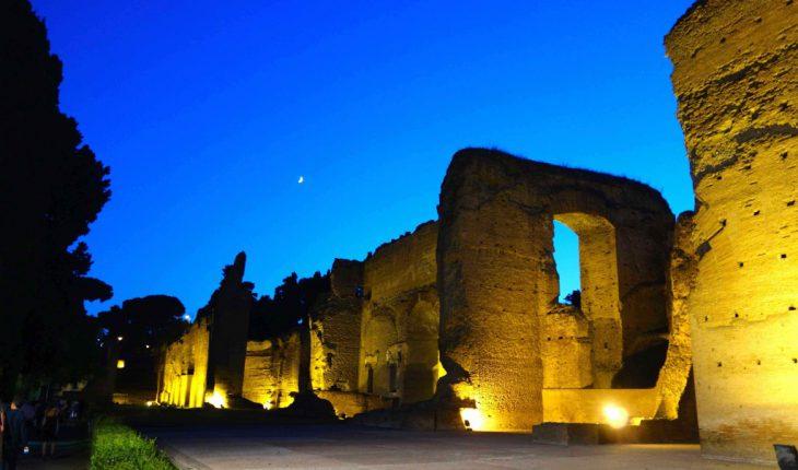 Terme di Caracalla in notturna