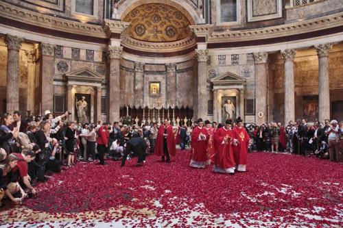 Pioggia delle rose Pantheon