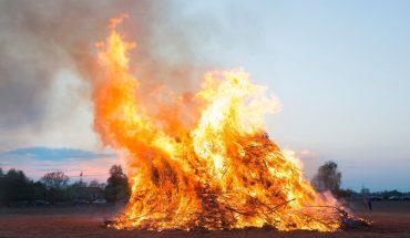 Maxi incendi a Roma una domenica di fuochi e fiamme